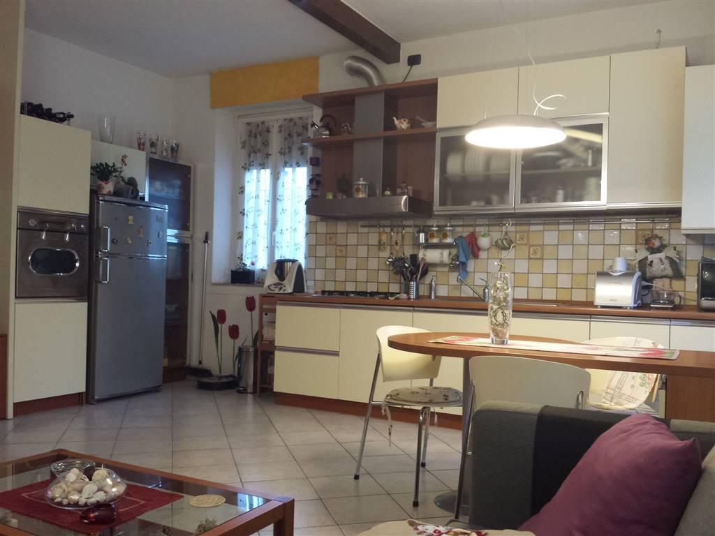 Appartamento in vendita a Gerenzano, 3 locali, prezzo € 82.000 | Cambio Casa.it