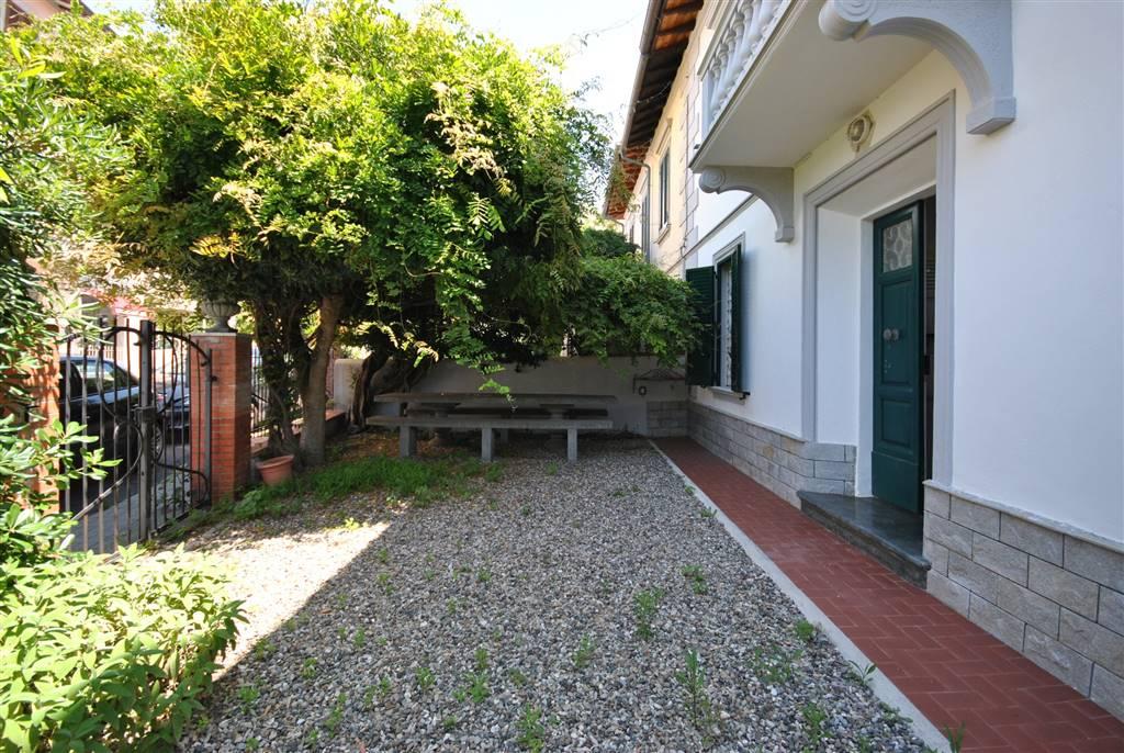 Soluzione Indipendente in vendita a Rosignano Marittimo, 5 locali, zona Zona: Castiglioncello, prezzo € 370.000 | Cambio Casa.it