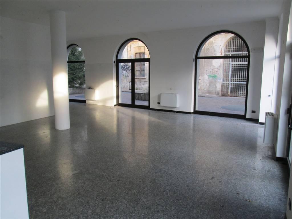 Ufficio / Studio in affitto a Saronno, 2 locali, prezzo € 1.250 | Cambio Casa.it
