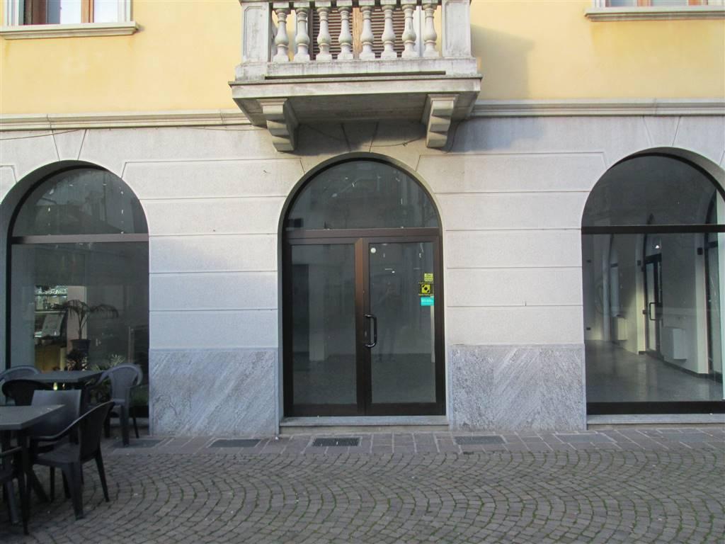 Negozio / Locale in affitto a Saronno, 2 locali, prezzo € 1.250 | Cambio Casa.it