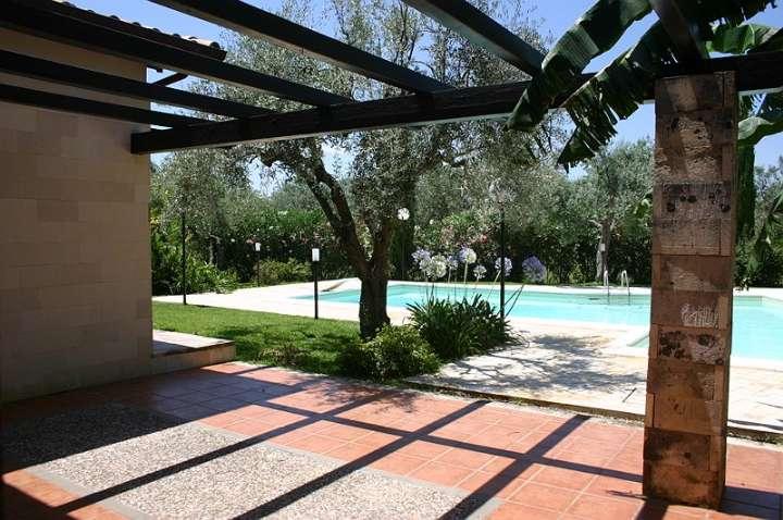Villa, Floridia, in ottime condizioni