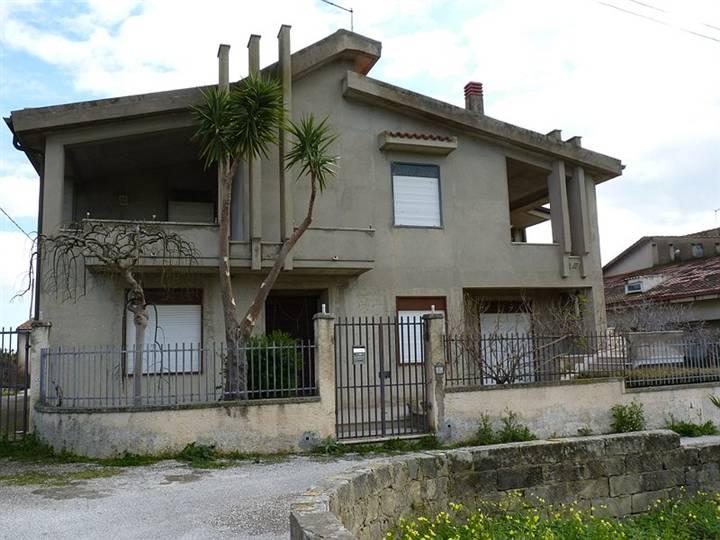 Villa vendita ROSOLINI (SR) - 7 LOCALI - 166 MQ