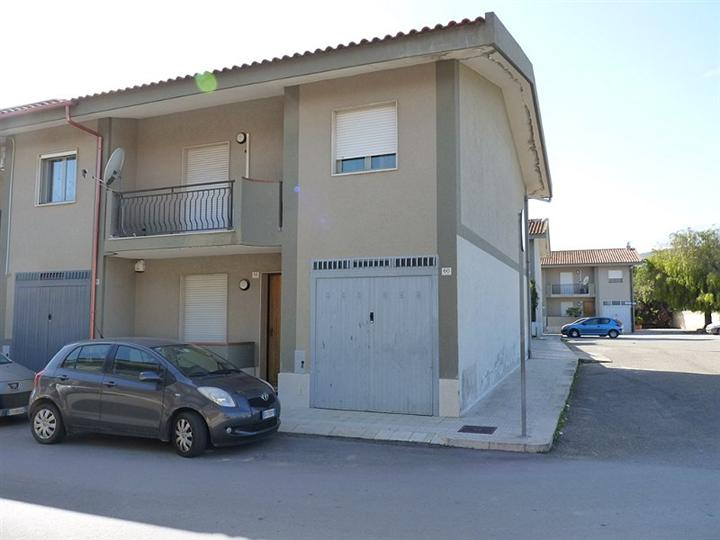 Casa Indipendente vendita AVOLA (SR) - 6 LOCALI - 120 MQ