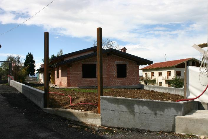 Villa in vendita a Peveragno, 4 locali, prezzo € 300.000 | CambioCasa.it