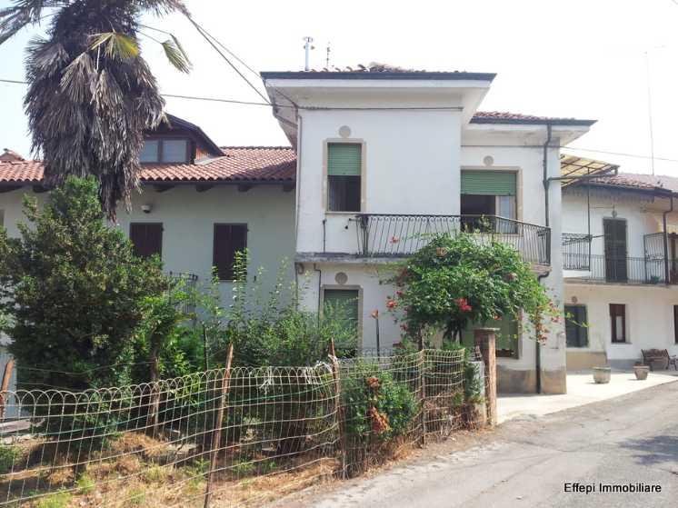 Soluzione Semindipendente in vendita a Carrù, 10 locali, prezzo € 98.000 | Cambio Casa.it