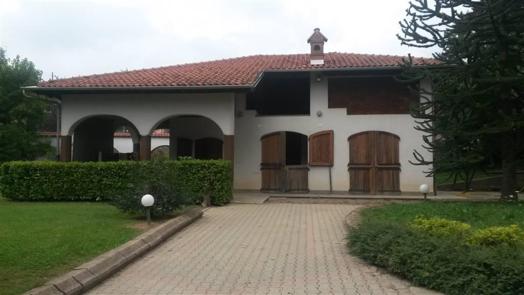 Villa in vendita a Monastero di Vasco, 8 locali, prezzo € 420.000 | Cambio Casa.it
