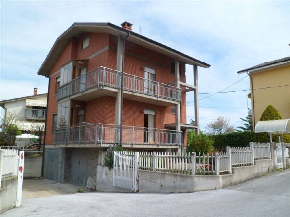 Soluzione Indipendente in vendita a Mondovì, 6 locali, prezzo € 290.000 | CambioCasa.it