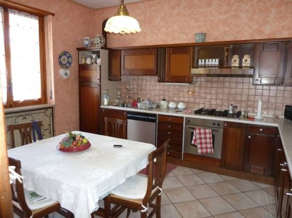Soluzione Indipendente in vendita a Mondovì, 12 locali, prezzo € 480.000   CambioCasa.it