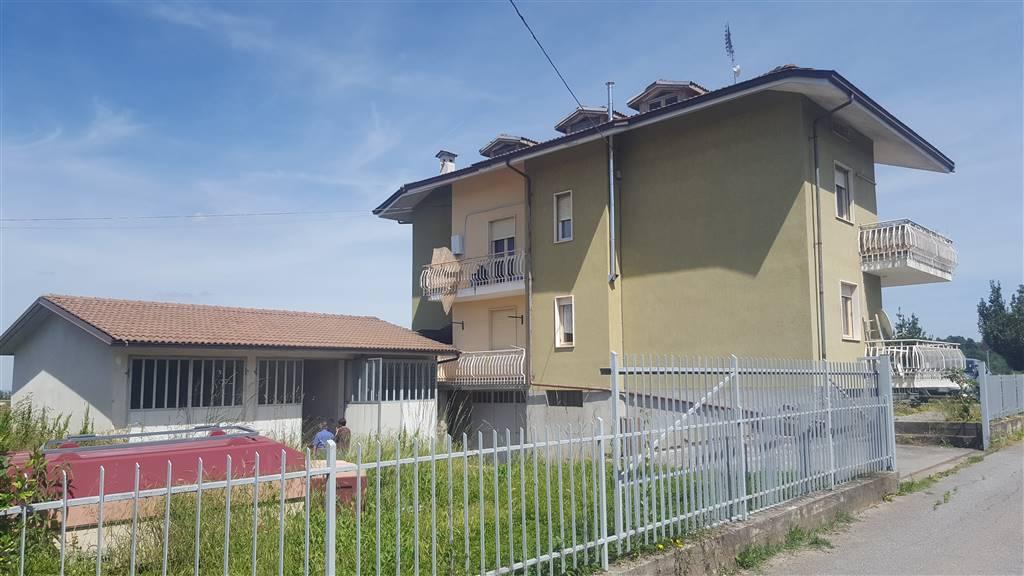 Soluzione Indipendente in vendita a Pianfei, 15 locali, prezzo € 370.000   CambioCasa.it
