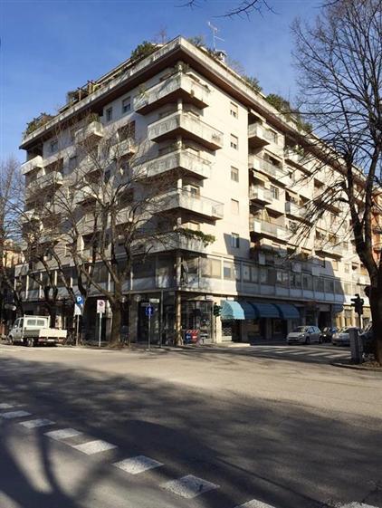 Appartamento in vendita a Monfalcone, 8 locali, zona Zona: Rocca, prezzo € 170.000 | Cambio Casa.it