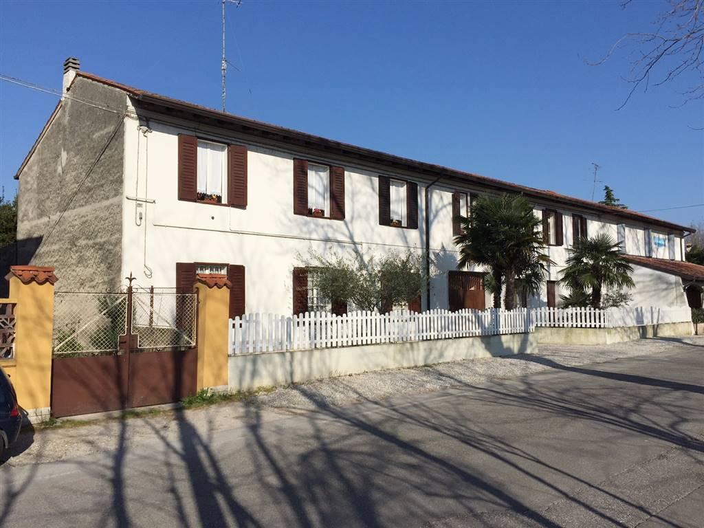 Soluzione Indipendente in vendita a Ronchi dei Legionari, 6 locali, Trattative riservate | Cambio Casa.it
