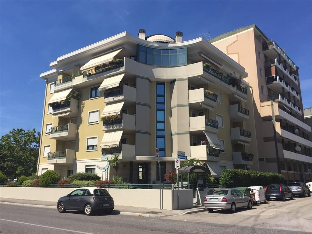 Appartamento in vendita a Monfalcone, 5 locali, zona Zona: Rocca, prezzo € 163.000 | CambioCasa.it