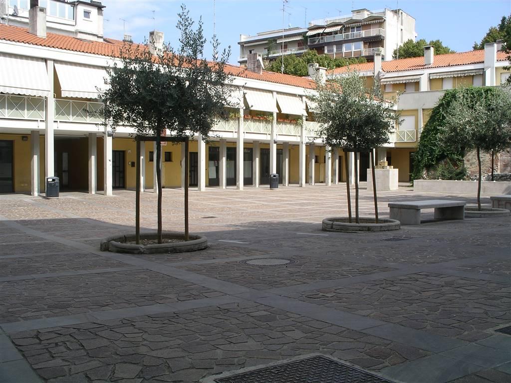 Negozio / Locale in vendita a Monfalcone, 2 locali, zona Zona: Rocca, prezzo € 53.000 | CambioCasa.it