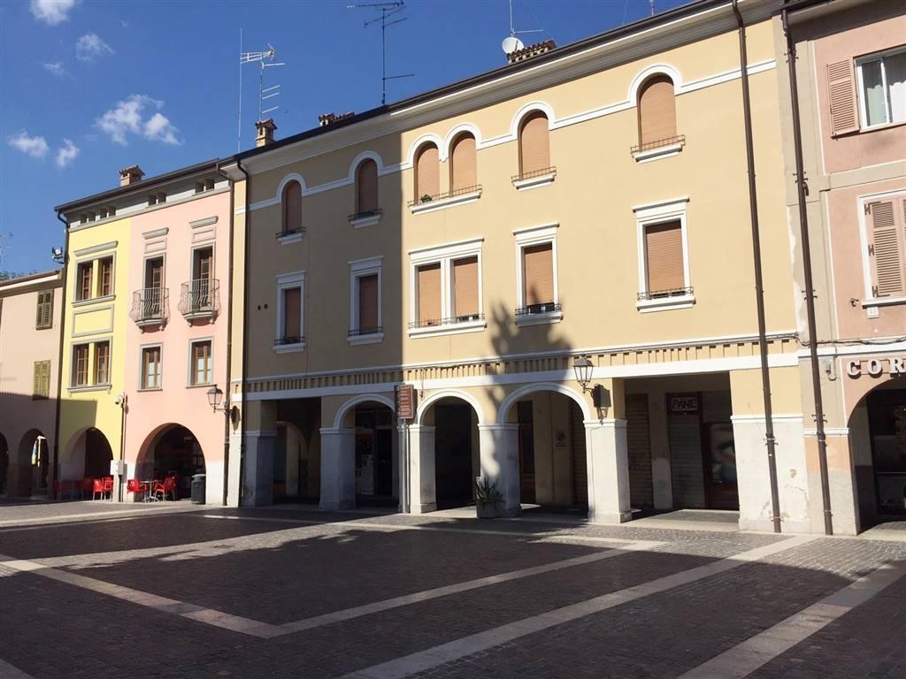 Appartamento in affitto a Monfalcone, 5 locali, zona Zona: Rocca, prezzo € 600 | Cambio Casa.it