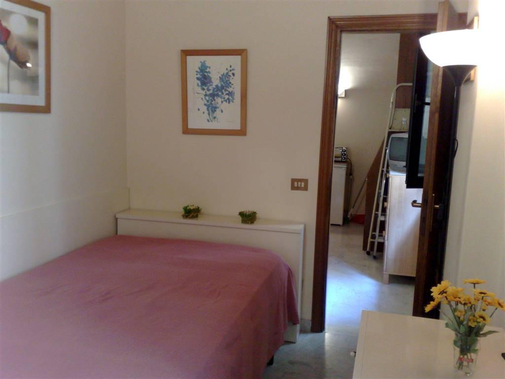 Soluzione Indipendente in affitto a Firenze, 2 locali, zona Località: SANTA MARIA NOVELLA, prezzo € 600 | CambioCasa.it