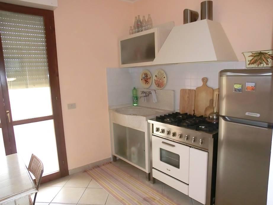 Appartamento in vendita a Crespina Lorenzana, 4 locali, zona Località: CENAIA, prezzo € 158.000 | CambioCasa.it