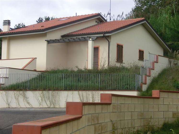 Villa in vendita a Palaia, 4 locali, prezzo € 220.000 | CambioCasa.it