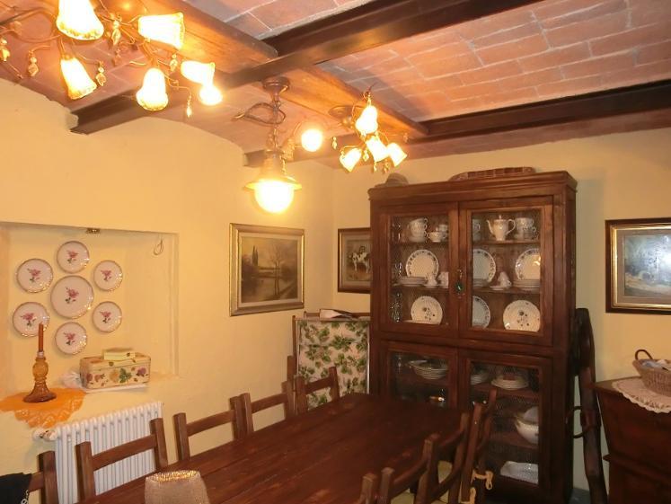 Rustico / Casale in vendita a Terricciola, 6 locali, zona Zona: La Chientina, prezzo € 405.000 | CambioCasa.it