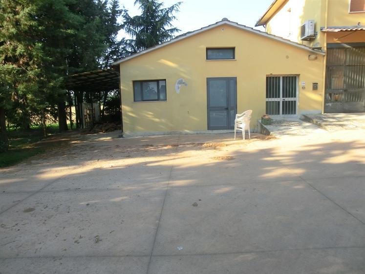 Casa semi indipendente, Santa Maria a Monte, da ristrutturare