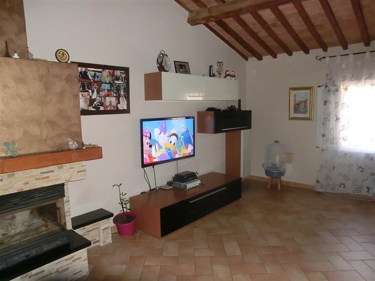 Appartamento in vendita a Palaia, 5 locali, zona Zona: Forcoli, prezzo € 150.000 | CambioCasa.it