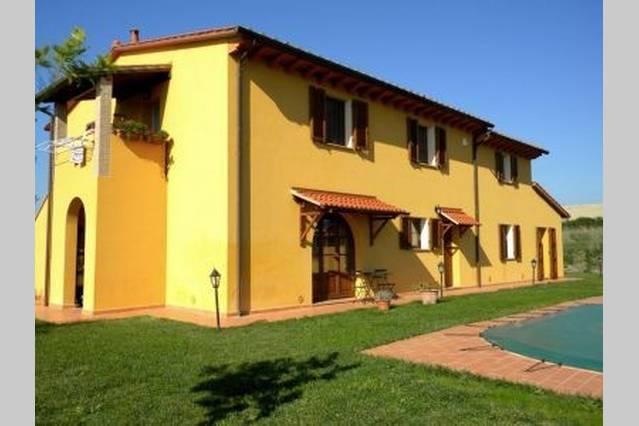 Rustico / Casale in vendita a Orciano Pisano, 10 locali, prezzo € 650.000 | CambioCasa.it