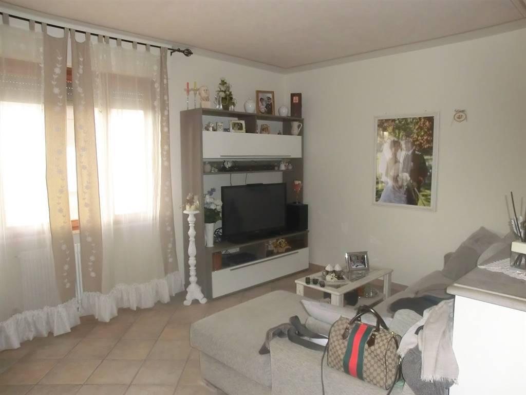 Appartamento in vendita a Palaia, 6 locali, zona Zona: Forcoli, prezzo € 138.000 | CambioCasa.it