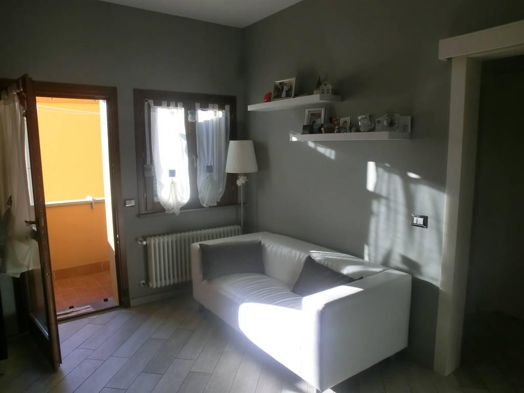 Appartamento in vendita a Pontedera, 3 locali, zona Zona: La Rotta, prezzo € 98.000 | CambioCasa.it
