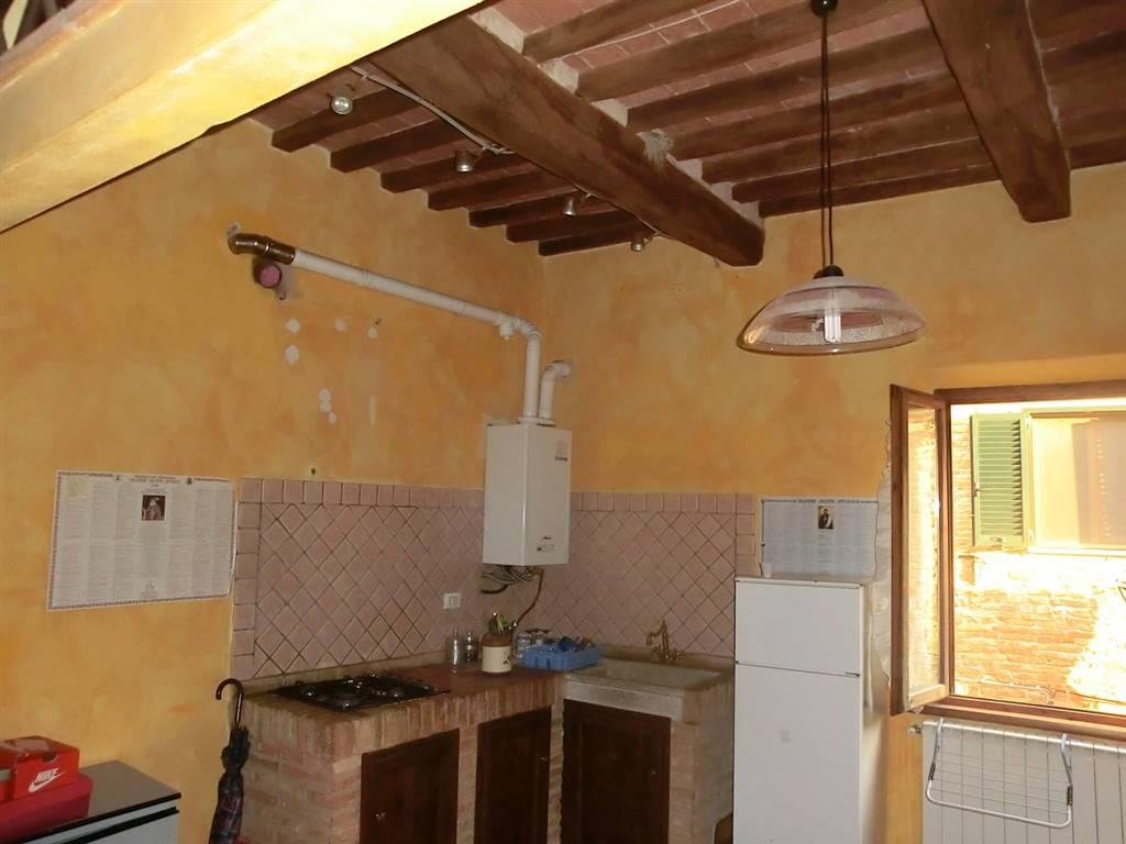 Appartamento in vendita a Terricciola, 4 locali, prezzo € 67.000 | CambioCasa.it