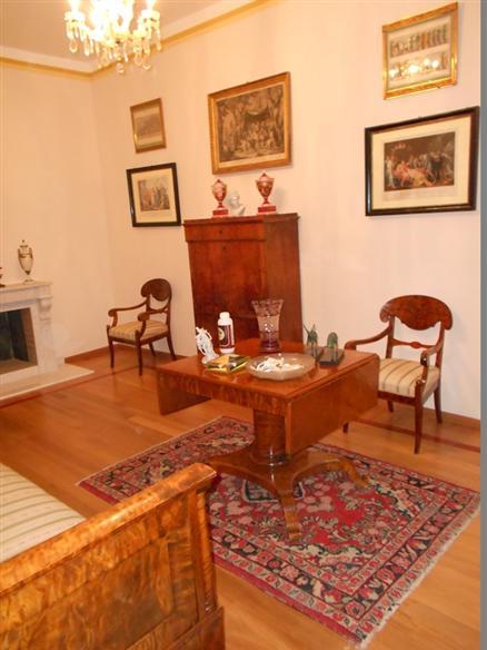 Appartamento in vendita a Spoleto, 6 locali, zona Località: CENTRO STORICO, Trattative riservate | CambioCasa.it