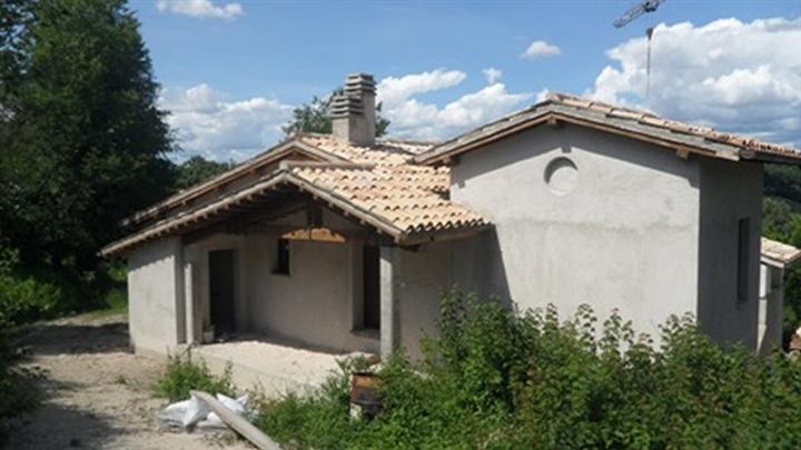 Soluzione Semindipendente in vendita a Castel Ritaldi, 4 locali, zona Zona: Colle del Marchese, prezzo € 80.000 | Cambio Casa.it