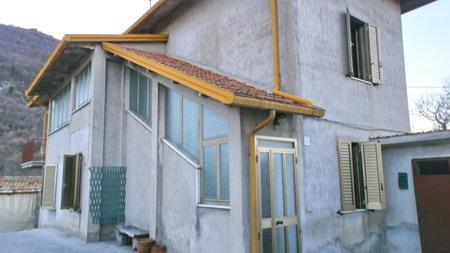 Soluzione Indipendente in vendita a Spoleto, 6 locali, zona Località: PERIFERIA, prezzo € 58.000 | Cambio Casa.it