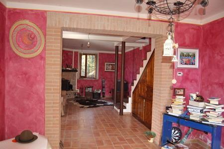 Soluzione Indipendente in vendita a Spoleto, 4 locali, zona Località: PERIFERIA, prezzo € 120.000 | Cambio Casa.it