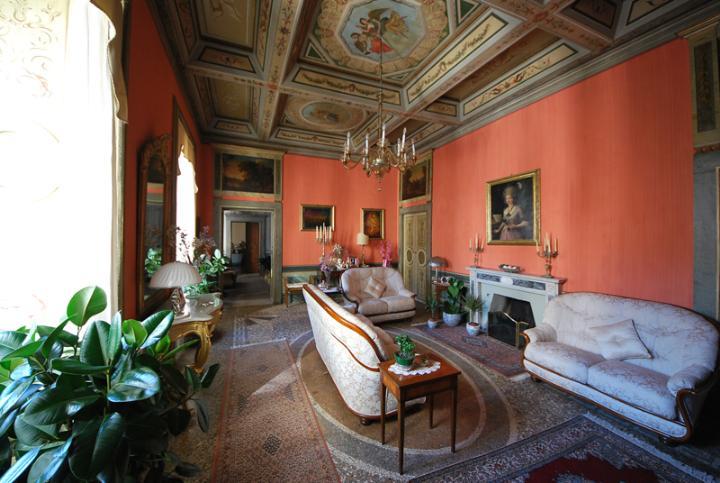 Appartamento in vendita a Spoleto, 10 locali, zona Località: CENTRO STORICO, Trattative riservate | Cambio Casa.it