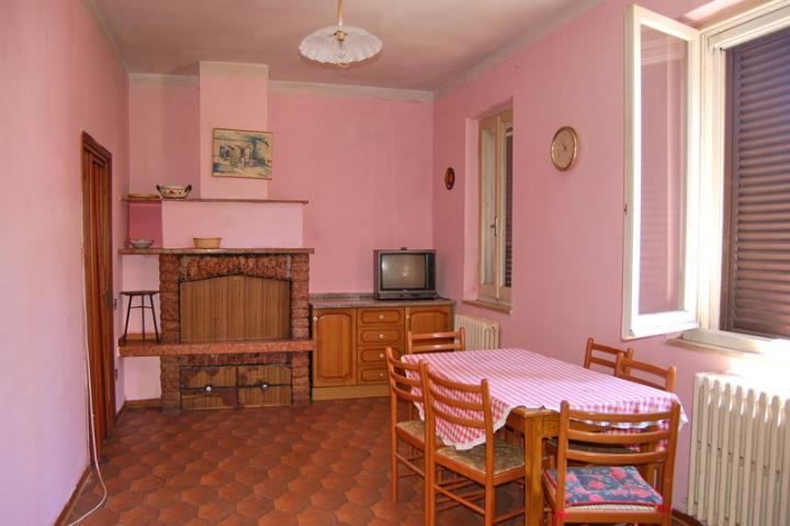 Soluzione Indipendente in vendita a Spoleto, 4 locali, zona Località: PERIFERIA, prezzo € 77.000 | Cambio Casa.it