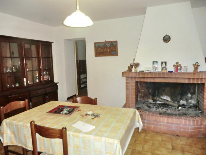 Appartamento in Vendita a Sant'Anatolia di Narco