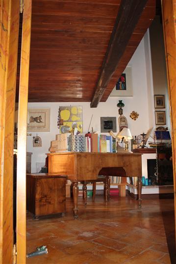 Rustico / Casale in vendita a Campello sul Clitunno, 10 locali, zona Località: CAMPELLO SUL CLITUNNO, prezzo € 350.000 | CambioCasa.it