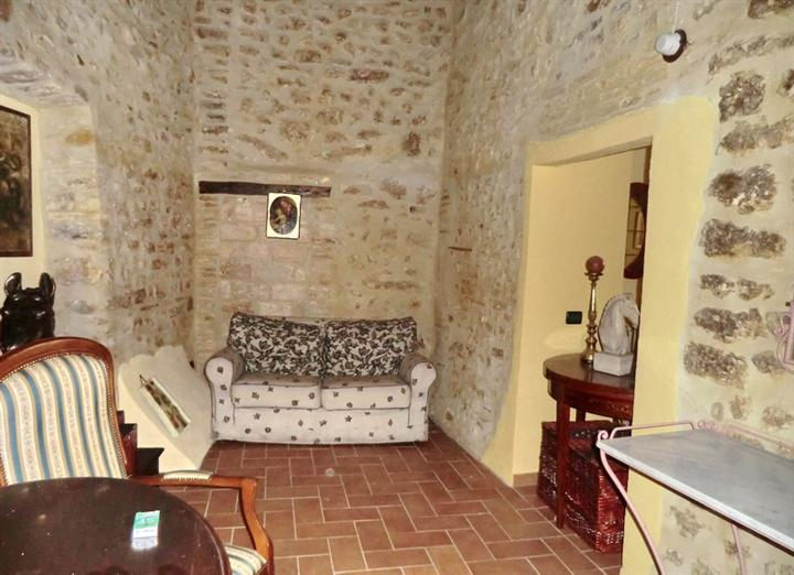 Appartamento in vendita a Spoleto, 1 locali, zona Località: CENTRO STORICO, prezzo € 75.000 | Cambio Casa.it