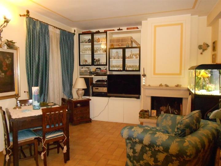 Villa Bifamiliare in Vendita a Spoleto
