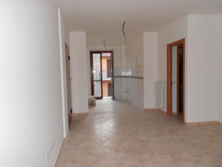 Soluzione Indipendente in vendita a Spoleto, 4 locali, zona Località: PERIFERIA, prezzo € 145.000 | Cambio Casa.it