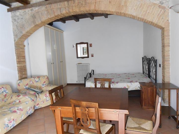 Soluzione Indipendente in vendita a Spoleto, 1 locali, zona Località: CENTRO STORICO, prezzo € 55.000 | Cambio Casa.it