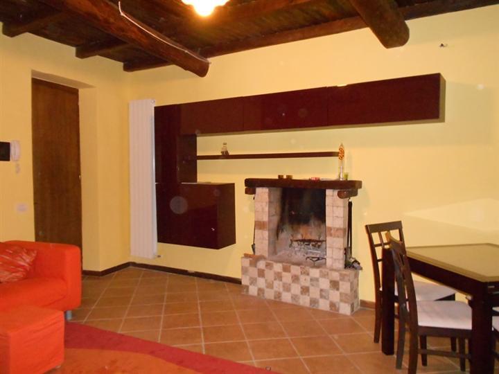 Appartamento in vendita a Spoleto, 2 locali, zona Località: CENTRO STORICO, prezzo € 100.000 | CambioCasa.it