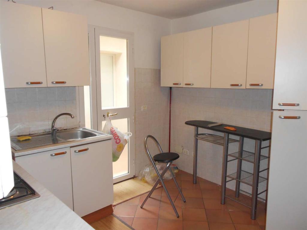 Appartamento in vendita a Spoleto, 4 locali, zona Località: CENTRO STORICO, prezzo € 85.000 | Cambio Casa.it