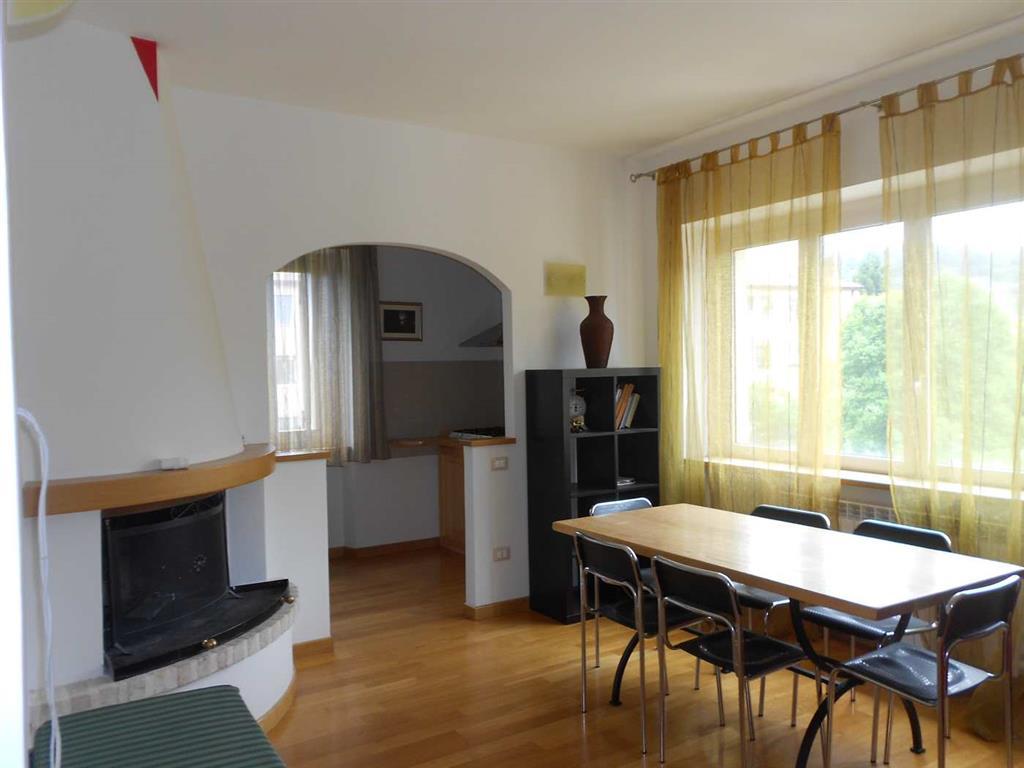 Appartamento in vendita a Spoleto, 2 locali, zona Località: PRIMA PERIFERIA, prezzo € 108.000 | CambioCasa.it
