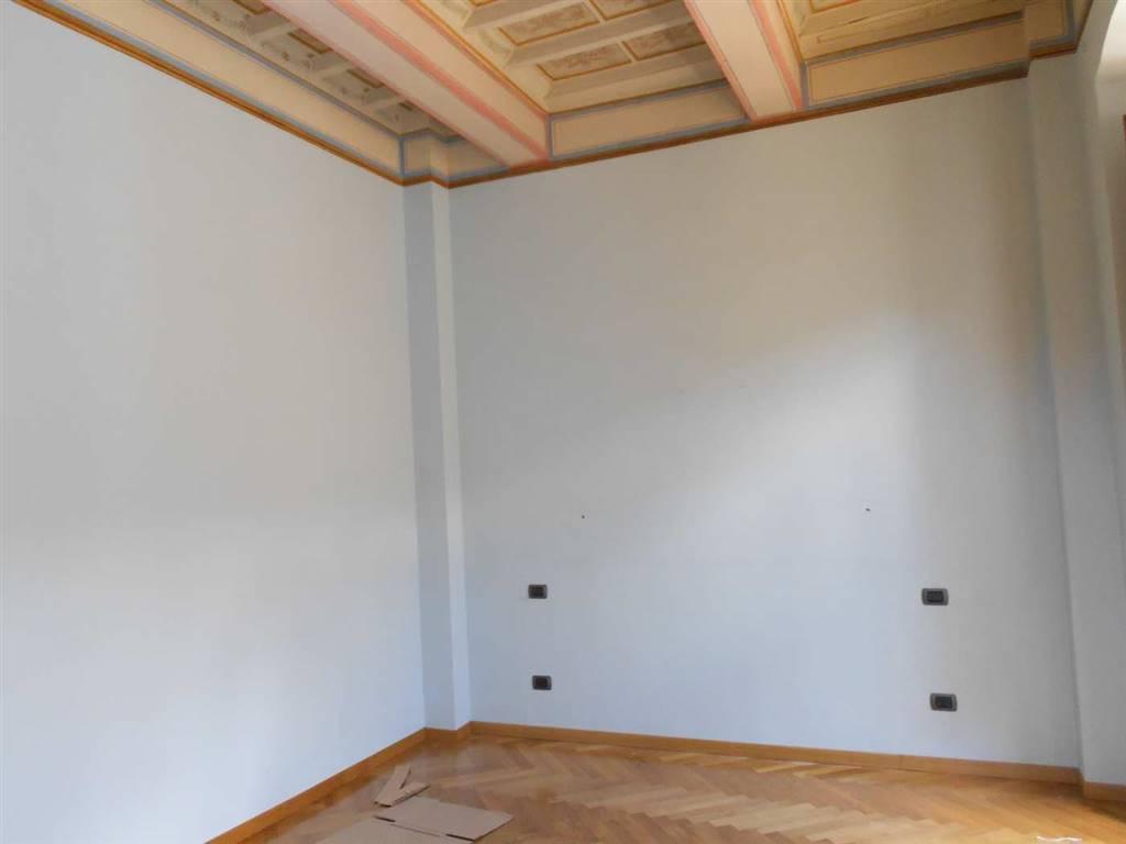 Appartamento in vendita a Spoleto, 8 locali, zona Località: CENTRO STORICO, prezzo € 600.000 | Cambio Casa.it