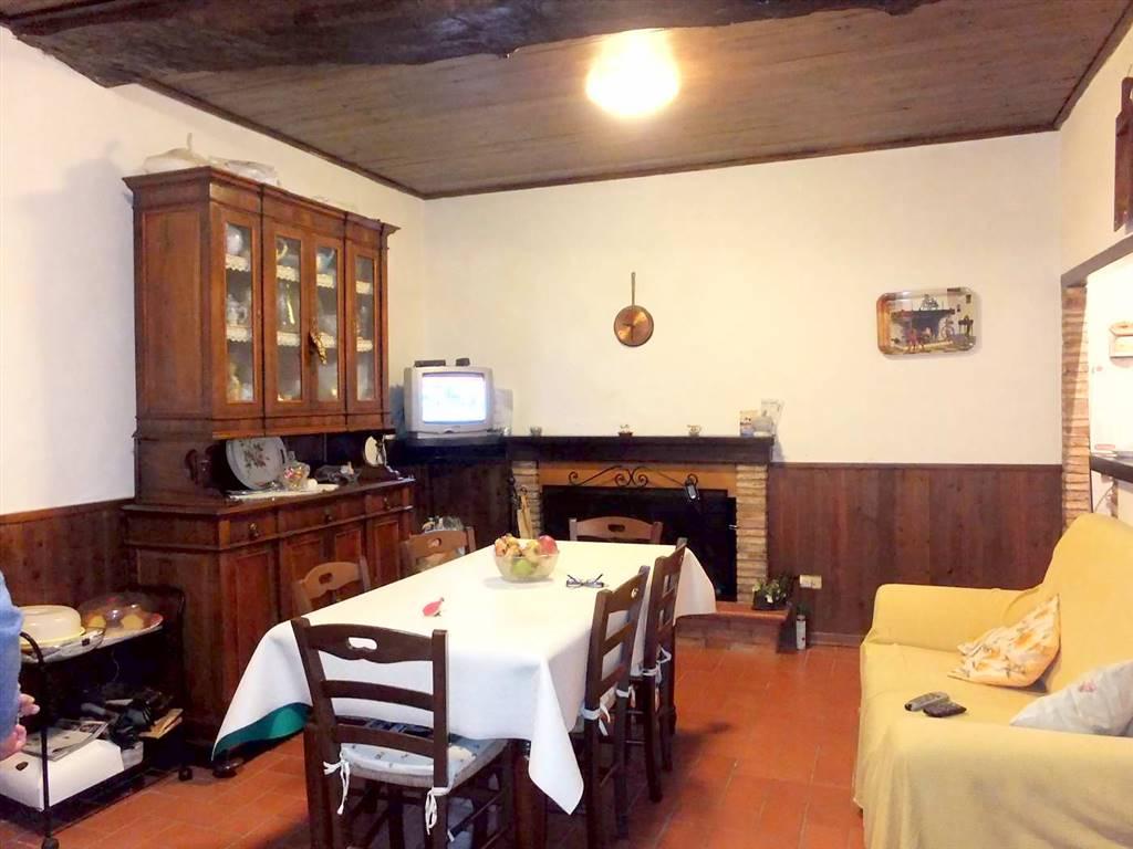 Soluzione Semindipendente in vendita a Spoleto, 4 locali, zona Località: PERIFERIA, prezzo € 128.000 | Cambio Casa.it