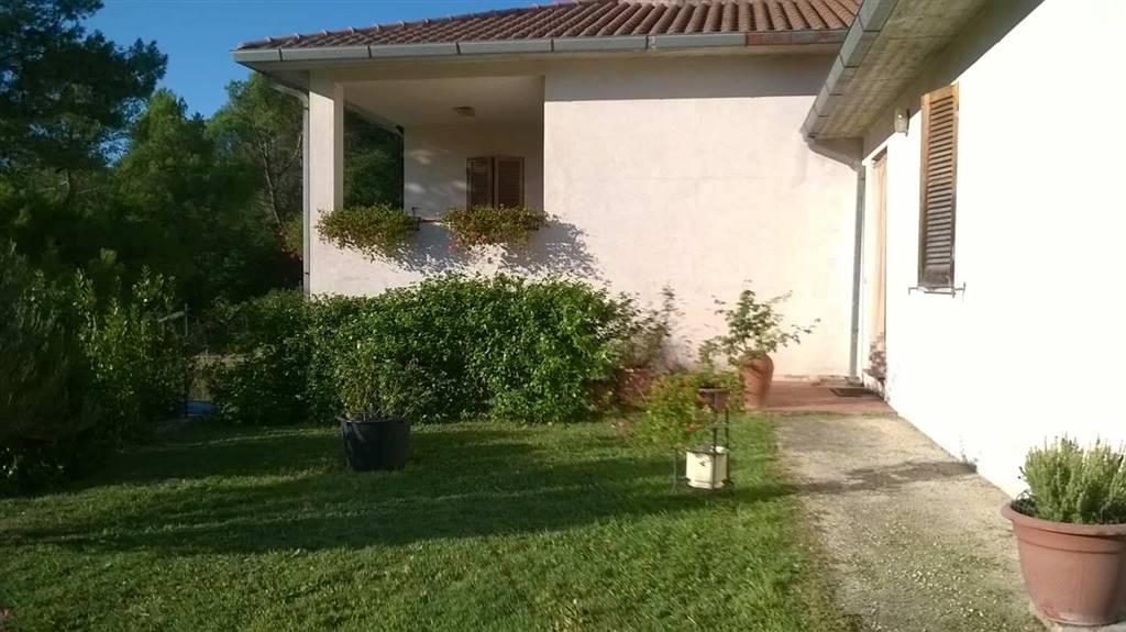Soluzione Indipendente in vendita a Spoleto, 5 locali, zona Località: PERIFERIA, prezzo € 295.000 | Cambio Casa.it