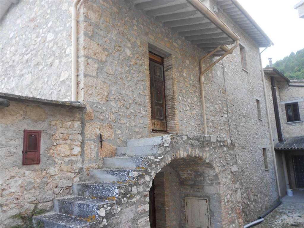 Soluzione Semindipendente in Vendita a Sant'Anatolia di Narco