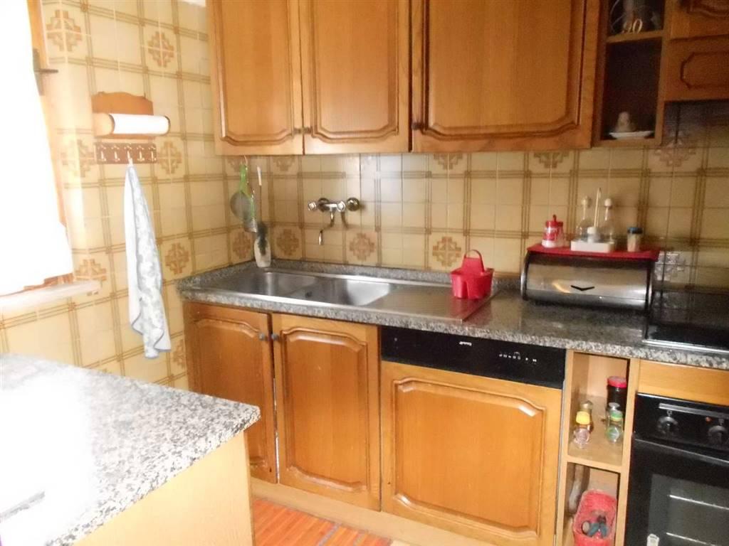 Appartamento in vendita a Spoleto, 6 locali, zona Località: BAIANO, prezzo € 85.000 | Cambio Casa.it