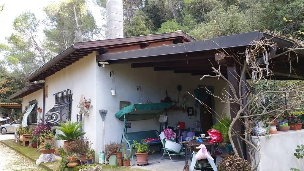 Soluzione Indipendente in vendita a Spoleto, 3 locali, prezzo € 160.000 | Cambio Casa.it