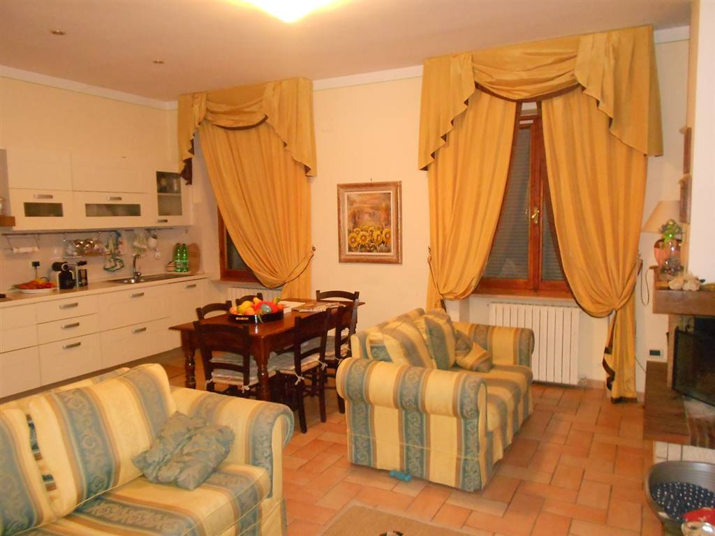 Soluzione Indipendente in vendita a Spoleto, 9 locali, zona Località: PERIFERIA, prezzo € 320.000 | Cambio Casa.it